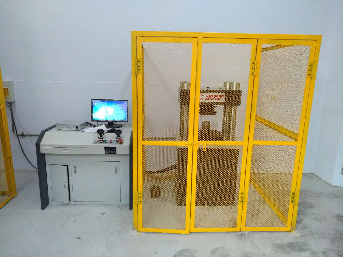 我司研发油田拉压力表检测仪,已交付多家油田使用。